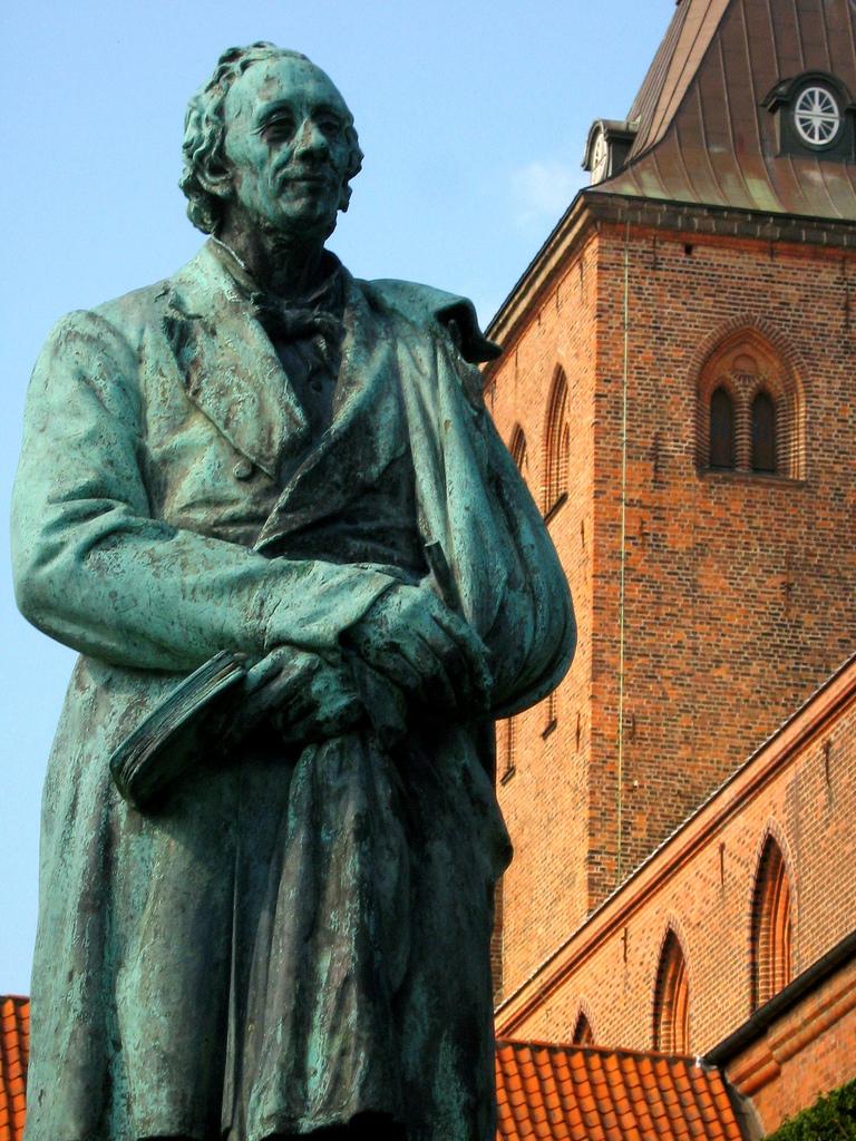 HCA statue Odense